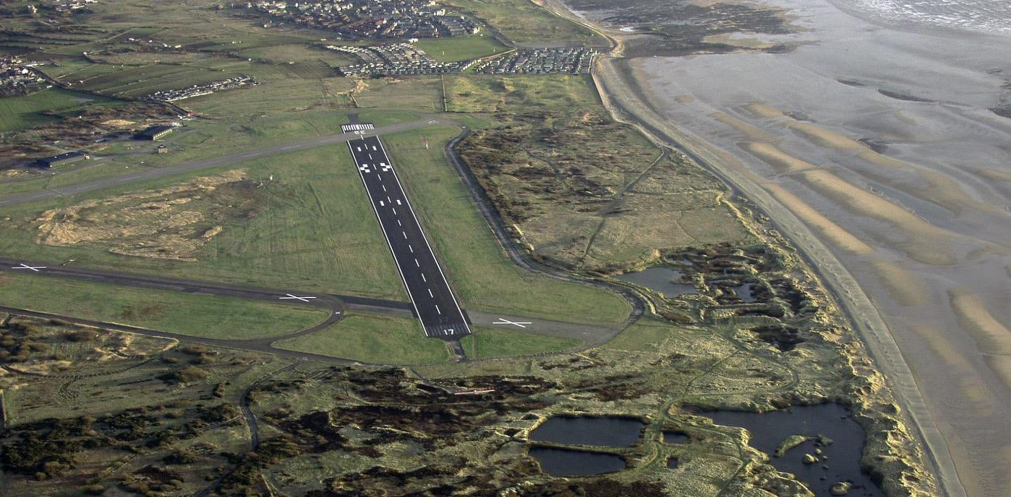 http://www.art-gene.co.uk/wp-content/uploads/2016/10/HEADER-FORT-WALNEY-Lawrence-Hill-2005-Aerial-Photos-of-the-North-Walney-National-Nature-Reserve.jpg